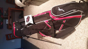 2 golf bags for sale.