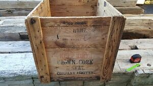 Antique wood box / crate Kitchener / Waterloo Kitchener Area image 4