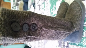 Brown knitted Cardy Uggs
