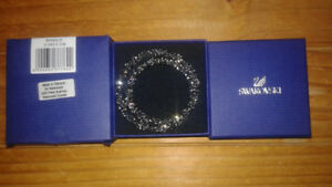 NEW Authentic Swarovski Crystal Bangle