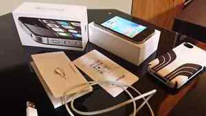 Black iPhone 4s 16 gb ( bell )