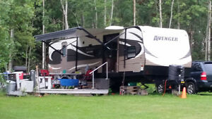 Avenger 36' BHD Touring Edition Trailer,Sleeps 10, Fully Loaded