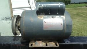 1,5 HP Westinghouse  1725 RPM Single Phase Electric Motor