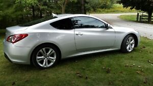 2010 Hyundai Genesis Coupe (2 door)