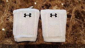 Under Armour Knee Pads for Ski, Snowboard, Volleyball Size M