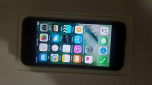 16GB IPHONE 5S FOR SALE - UNLOCKED TO ALL CARRIERS