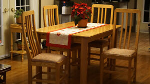 Mobilier de salle à manger 4 chaises en érable