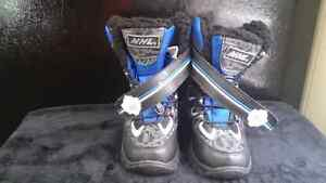 NHL ORIGINAL TODDLER WINTER BOOT SIZE 11