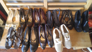 10 pairs of shoes.  Naturalizer, Clarks.  Size 7 and 8