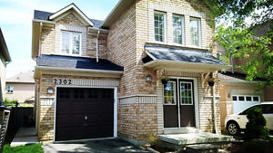 Single house for rent good location in Burlington, The Orchard