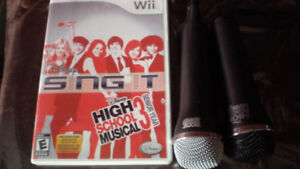 Jeu Wii : Disney sing it hight school musical 3. Avec 2 micros !