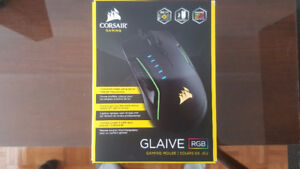 Corsair Gaming GLAIVE RGB Gaming Mouse - PC Gaming, Backlit RGB