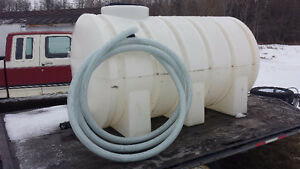 "Water Tank 500 Gallon with 30' x 2"" hose attachment"