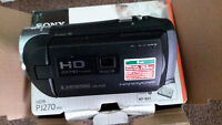 SONY  HDR-PM 20  with projector