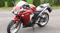 "HONDA CBR 250R ""LIKE NEW"""