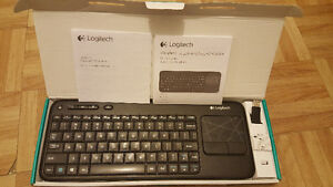 Logitech K400r Wireless Keyboard with Built-In Multi-Touch Touch