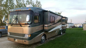 2001 Holiday Rambler Scepter 40' Motorhome