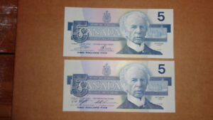 MIXED LOT OF TWO 1986 CANADIAN FIVE DOLLAR BANK OF CANADA NOTES