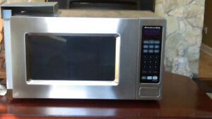 Kitchen Aid Microwave, model ykcms1555ss in perfect condition