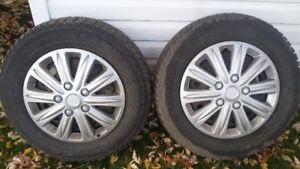 4 pneus d'hiver 205 65 r15 sur roue