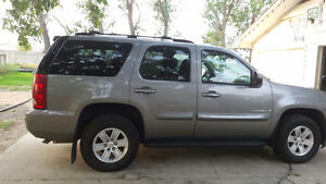 2007 Chevrolet Tahoe 4 door SUV, Crossover