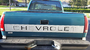 Excellent Condition Chevy C/K pick-up 1500 Tail Gate