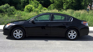 2009 Nissan Altima S Sedan + WINTER TIRES