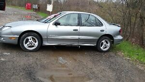 2003 Pontiac Sunfire Sedan only80000 kms