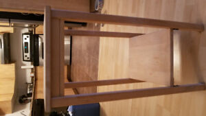 2 wood end tables good condition