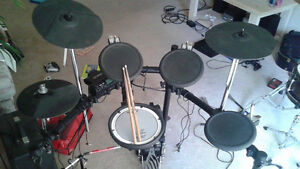 Roland TD-4 Electric Drumset with Double Kick