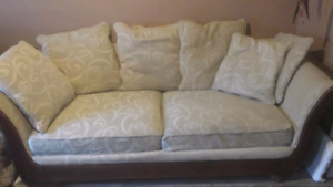 Free couch!! Pick up only!!