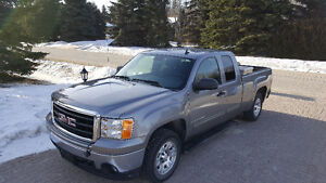 2008 GMC Sierra 1500 SLE+Towing , NEW BRAKES SAFETY. LOW KMS