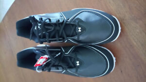 Cleats *New Under Armour size 11