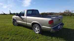 1999 chevy s10  2.2L London Ontario image 4