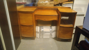 Antique make up table with round mirror