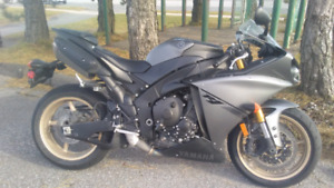 2014 Yamaha YZF R1 - PRICE REDUCTION