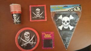 Halloween / Birthday ~ Pirates Party Bundles 5 Pieces - 4 Sets