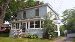 5 Bdrm House located near MTA @ 23 Charlotte