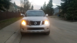 2008 NISSAN PATHFINDER LE 4X4 5.6 V8 FULLY LOADED 7SEATER