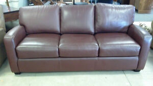 """100% Leather """"The Sofa Gallery""""3 cushion Pull out Couch"""