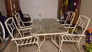 Large table and 4 chairs - patio set Kitchener / Waterloo Kitchener Area image 1