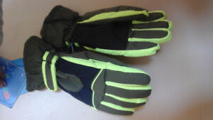 BRAND NEW GLOVES VERY WARM AND SOFT,,,,,,,ORIGNALL PRICE $22