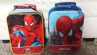 2 Valises de voyage Spiderman avec poigner et roulettes.