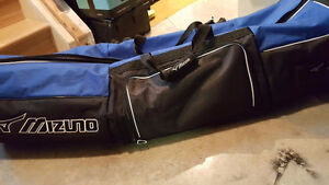 Golf Bag Travel Cover with Wheels & Padding by Mizuno