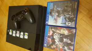 Ps4 with 1 controller and 2 games (Persona 5 and Monster Hunter)