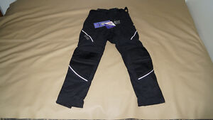 Pants for motorcycle riding - Women's