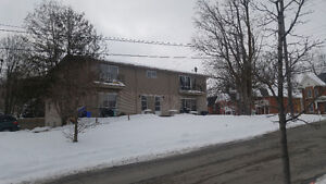2 Bedroom apartment near downtown Barrie