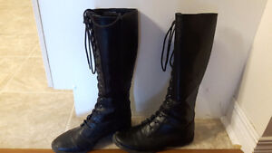 Black boots - Combat style Size 8
