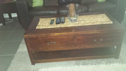 Balinese coffee table, TV low line and side table Rosemeadow Campbelltown Area Preview