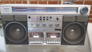 Vintage Kings Point boombox
